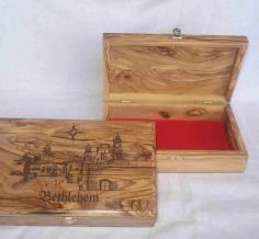 صندوق مجوهرات مع نقش