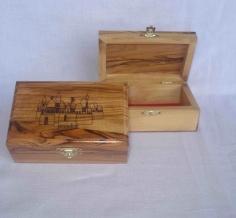 صندوق  مع نقش