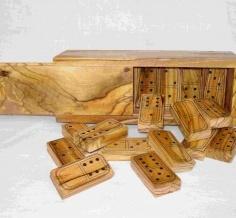 لعبة دومينو خشب