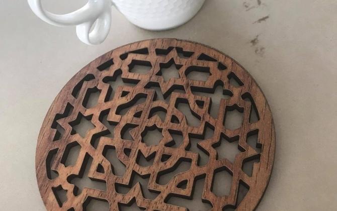 مجموعة من القطع الخشبية الواقية للأسطح